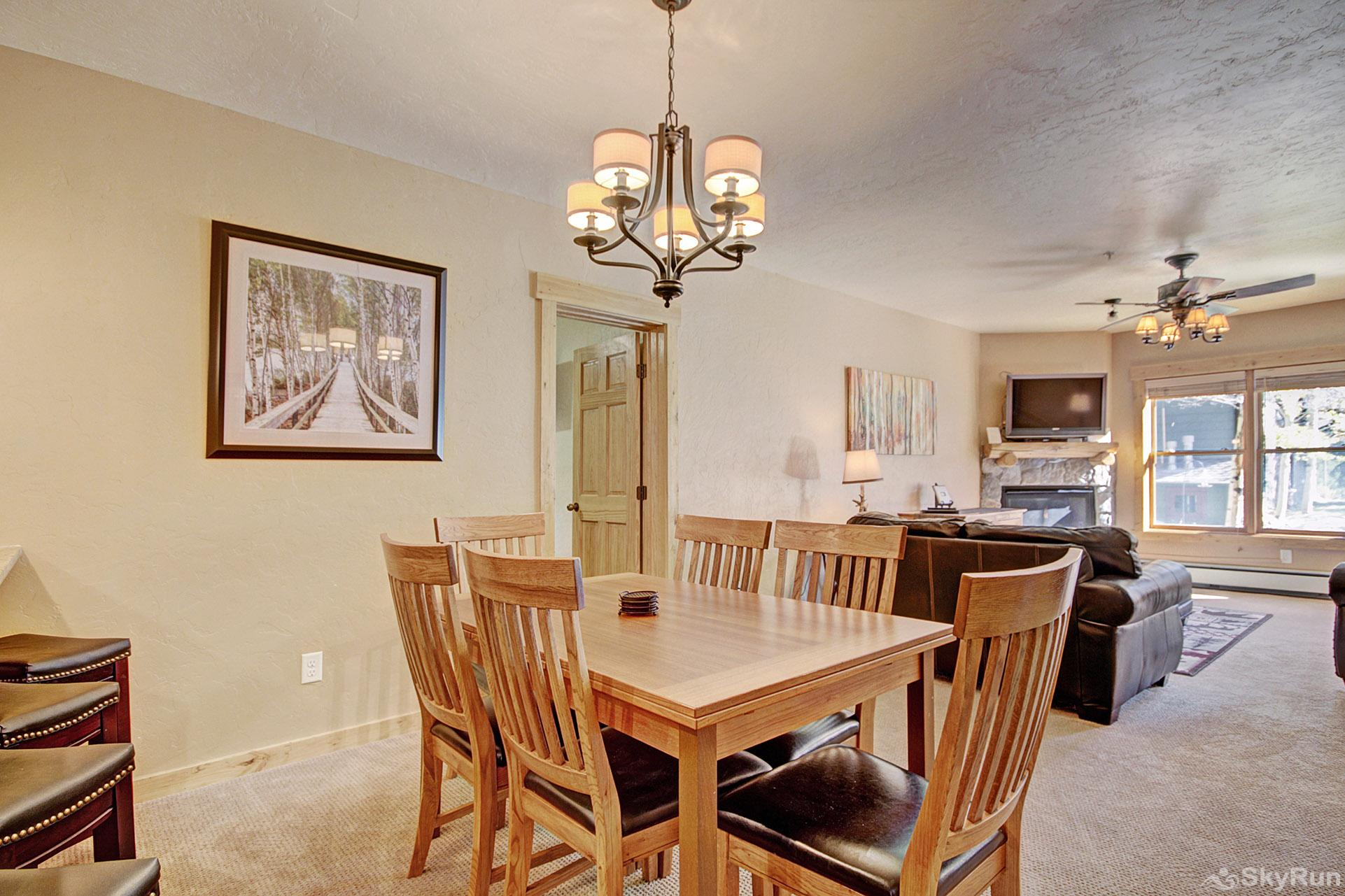 2609 Tenderfoot Lodge Dining Area