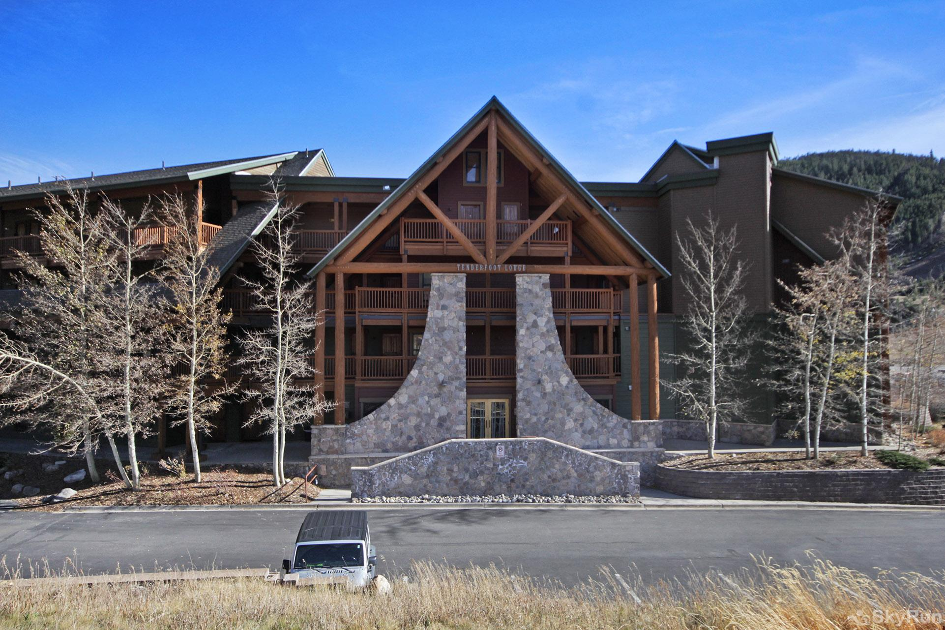 2609 Tenderfoot Lodge Exterior View
